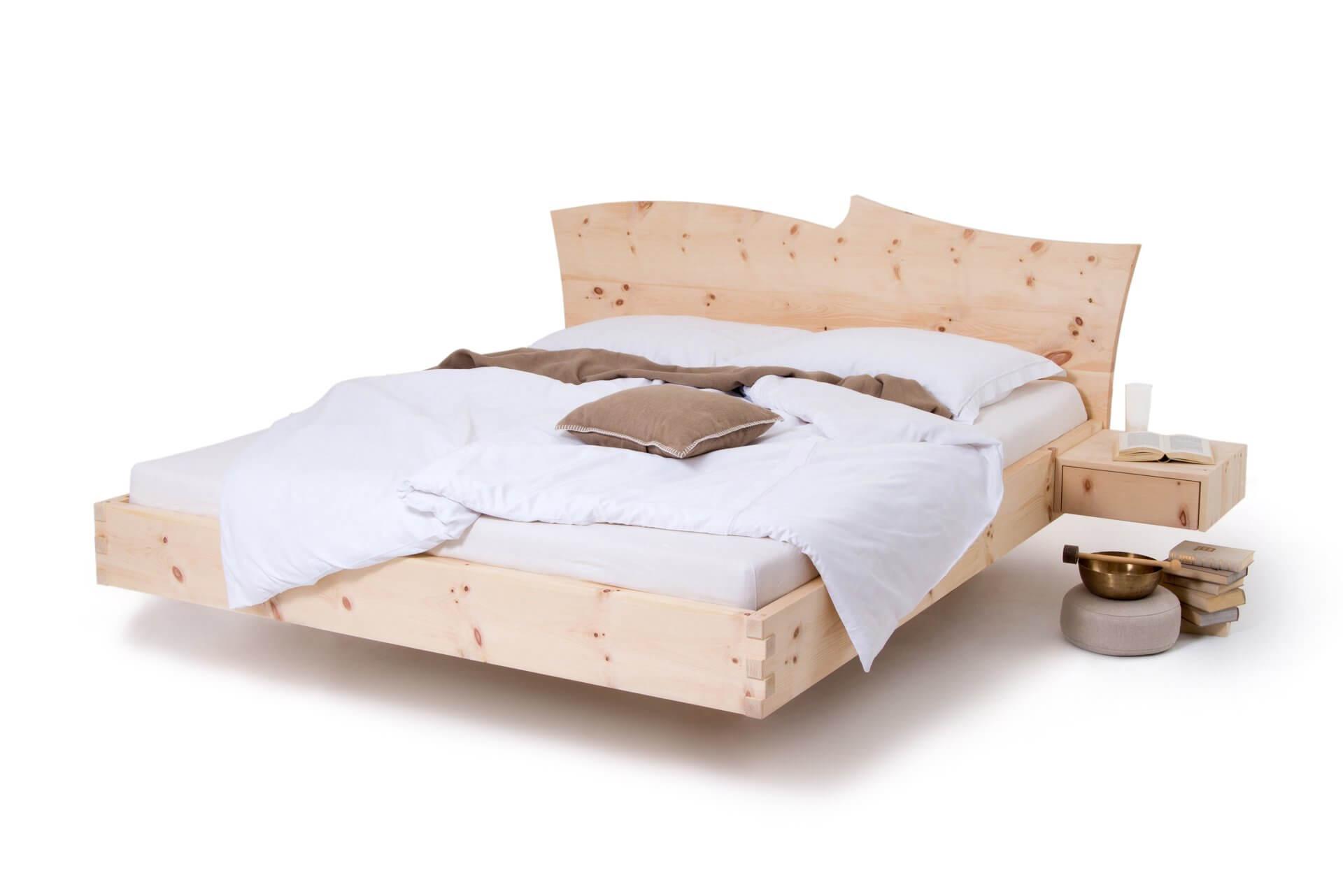 Zirbenbett modern m3 schr cker zirbenbett k rnten for Schlafzimmer dunkelbraun