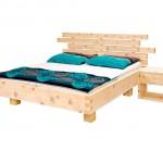 Zirbenbett aus 70mm Starken Zirbenholz aus den Nockbergen gefertigt. Das Zirbenholzbett ist auch in einer 40mm Ausführung lieferbar.